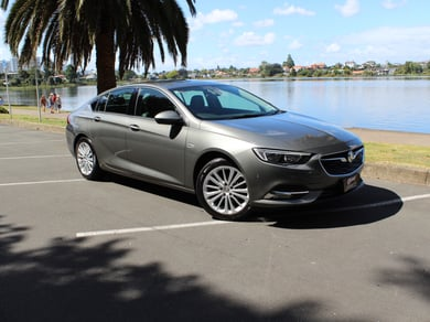 Holden Commodore Calais Liftback 2.0L Turbo Auto