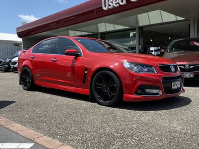 Holden Commodore VF SS-V SDN AT