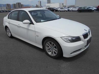 BMW 320i E90 / CERTIFIED MILEAGE