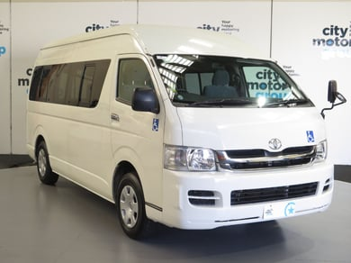 Toyota Hiace 2.7*WHEEL CHAIR ACCESS