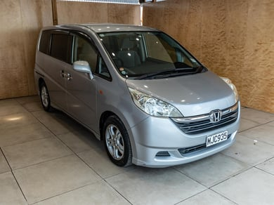 Honda Step Wagon 8 Seater