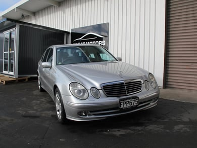 Mercedes-Benz E500 Avantgarde