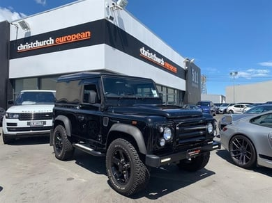 Land Rover Defender 90 2.2 TDI SVX Sports Package