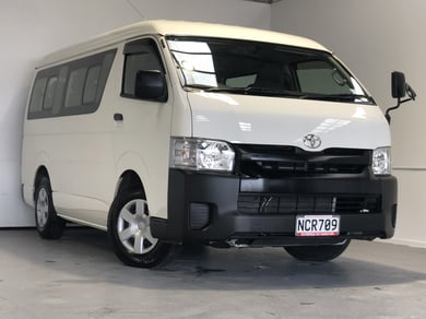 Toyota Hiace 10 SEATER 37,000 KMS