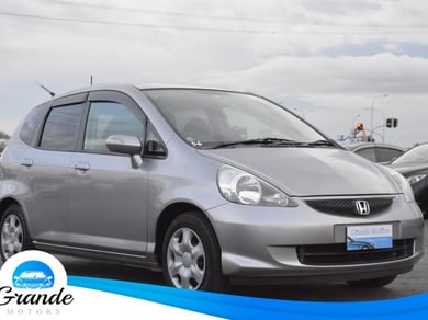 Honda Fit LOW KM.SRS Airbags.