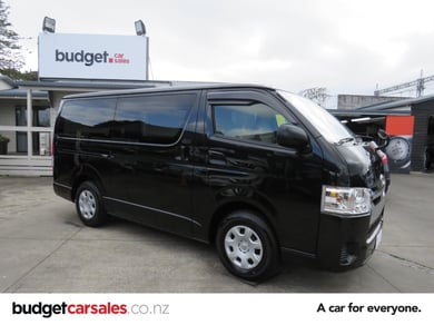Toyota Hiace Safety Pack 2.8L DIESEL