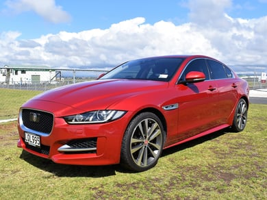 Jaguar XE 20T R-Sport 2.0P/8At